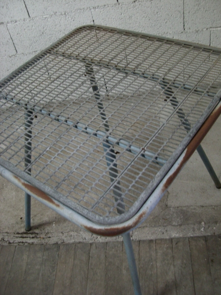 Vintage Small Grill-Top Table (Metal) 14